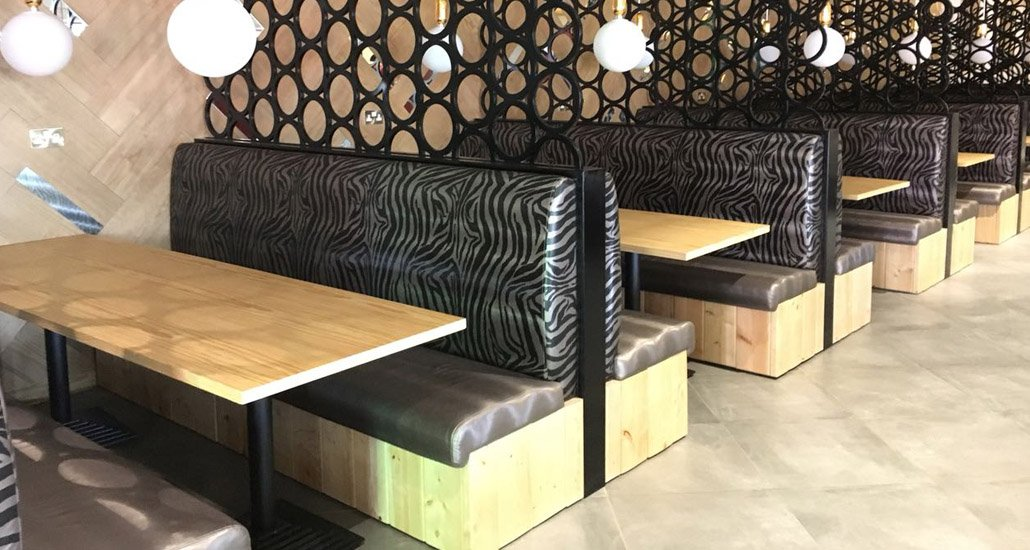 Bespoke-restaurant-furniture-fabiia-Interior-booth-seating